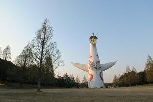 Tower of the Sun อนุสาวรีย์ใจกลางสวนสาธารณะ สิ่งที่ยังหลงเหลือยู่จากงาน Expo'70