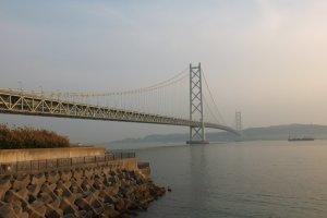 สะพานในช่วงใกล้ตะวันตกดิน