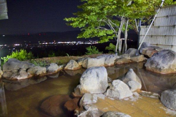 ShiratoriOnsen outdoor bath area
