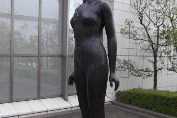 <p>A statue on the rooftop terrace</p>