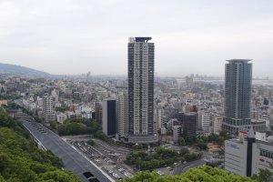 วิวที่มองจากกระเช้าไฟฟ้า สถานี Shinkbe อยู่ทางซ้ายมือ