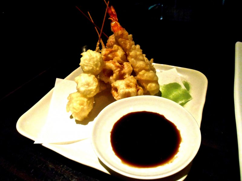 <p>Skewered Tempura, one of their signature dishes....they taste VERY GOOD!</p>