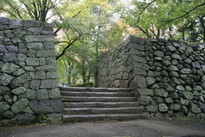 Exploring the Tsu Castle ruins is most enjoyable!