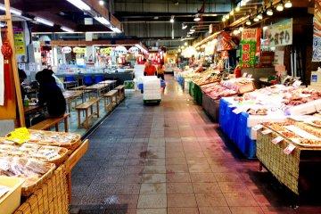 Maizuru Port Toretore Fish Markets