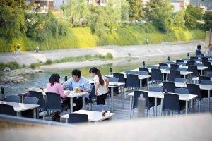 Restaurants facing the Kamo river