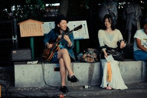 There are often street performers in the Sanjo-dori bridge area; do not miss them!