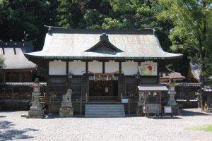 Tokei-jinja Shrine in the center of Tanabe
