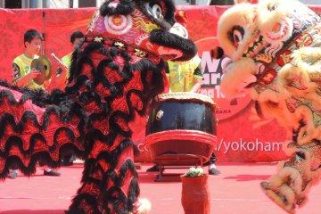 Lion Dances in Yokohama Chinatown