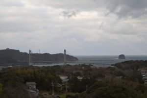 Another view from 90 m up: the land beyond the bridge on the left is Kabe Island