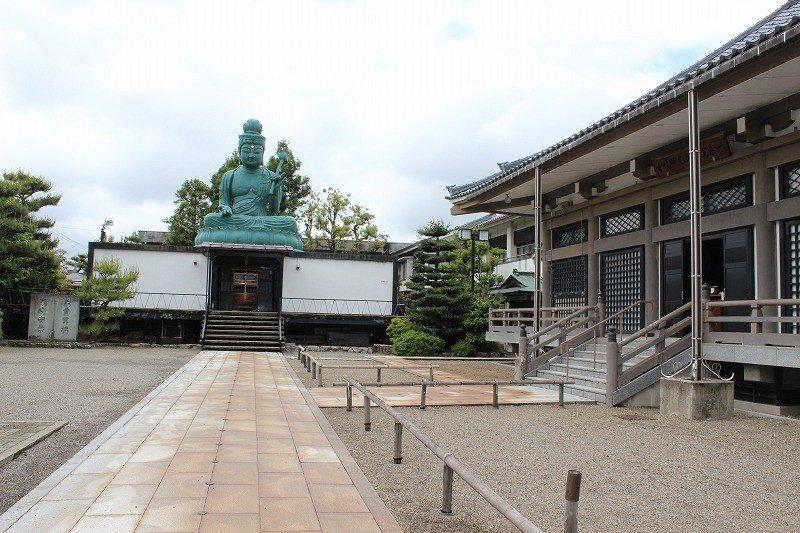 現存する福井大仏は青銅製で昭和33年に建立された