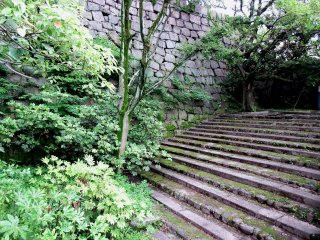 Stone steps connecting the 'Yamazato-maru Bailey' to the 'Inner Bailey'. The Yamazato-maru is the lowered section on the north side of the main tower, and Yamazato means literary, 'Mountain village'