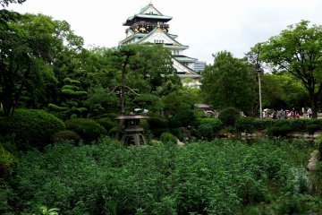 <p>This garden is designed and landscaped in a way that a view of the garden and the main tower of Osaka Castle can be enjoyed together &nbsp;</p>