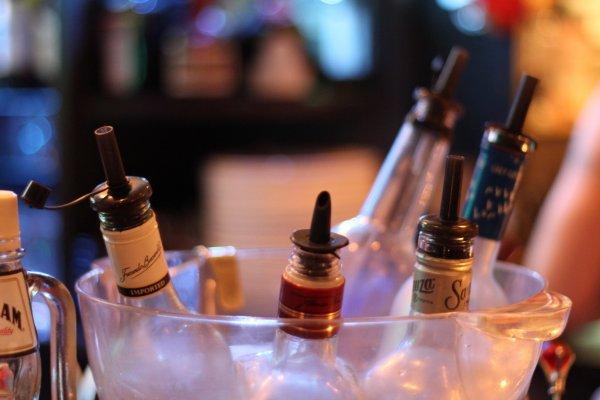 Mickey's Club Cafe@Bar พร้อมให้บริการคุณด้วยคอกเทลสูตรเฉพาะแบบที่คุณจะเพลิดเพลินจนลืมเวลา