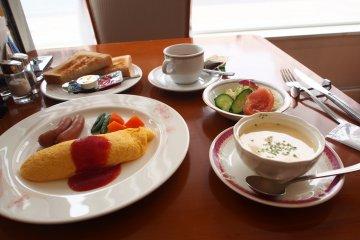 <p>Western breakfast</p>
