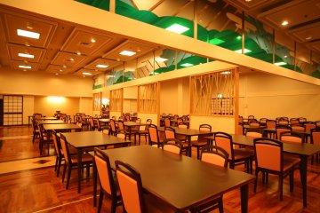 Restaurant for dinner and breakfast