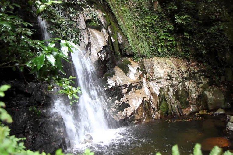 Đường lên thác Ochozu