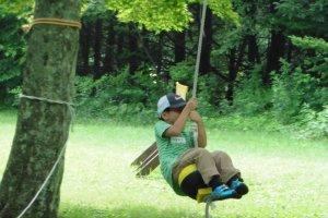 La tyrolienne, sans contestel'activité préféréedes enfants
