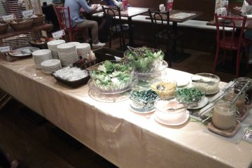 <p>The lunch buffet includes unlimited bread and salad &nbsp;</p>