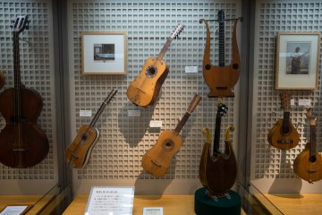 <p>Another bunch of guitars&nbsp;</p>