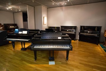 <p>The first piano made in Japan</p>