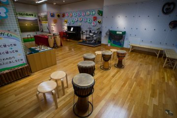 <p>The room where you can try the different instruments</p>