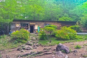 'Fujimi-hira' mountain hut; popular place with many hikers and campers