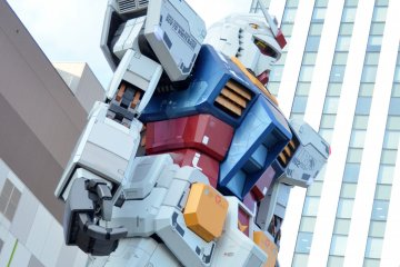 <p>The Gundam stands tall outside of DiverCity Tokyo Plaza - one of my favourite&nbsp;malls in Odaiba. Within the mall, there is also a Gundam cafe.&nbsp;</p>
