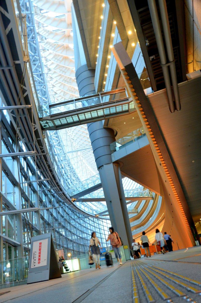 <p>Interior of Tokyo International Forum</p>