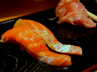Fresh and succulent salmon sushi that melts in the mouth.