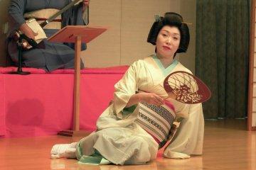 芦原芸妓の華麗なる舞