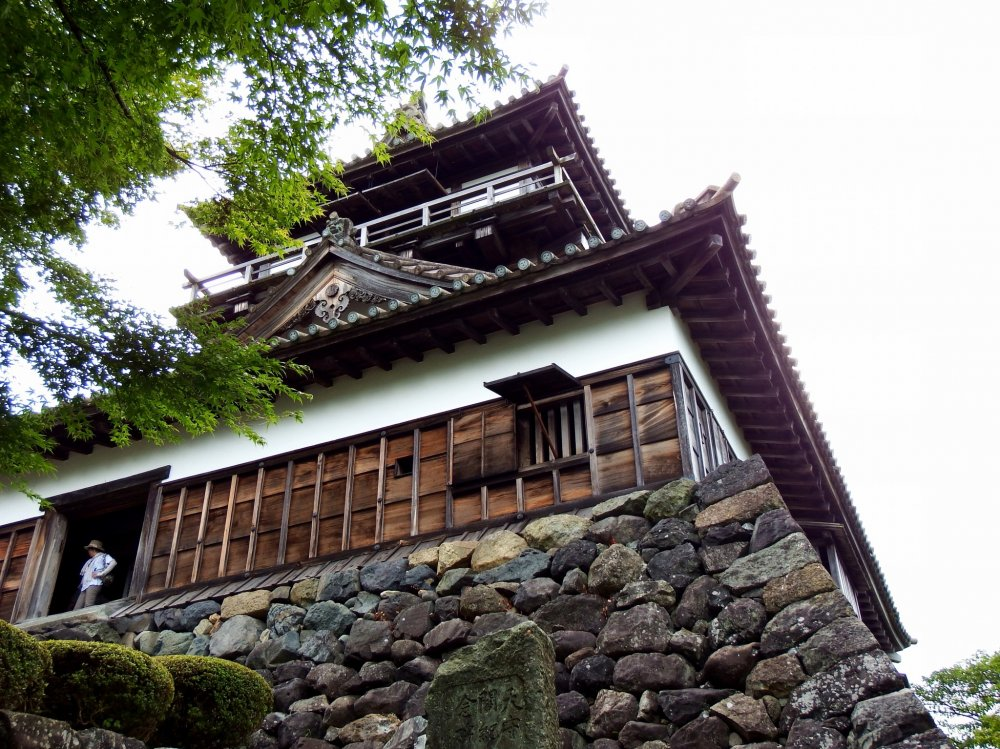 Maruoka Castle, the oldest wooden castle still standing on Japanese soil. The castle ruins were made into Kasumigajo Park and there's only the main keep left in the ruins