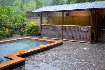 <p>Outdoor bath of Kurama Onsen</p>