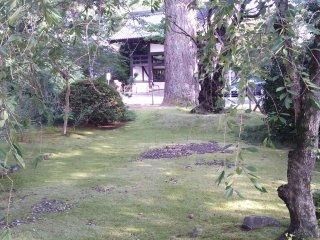 Một số khu vườn, được làm thủ công như bất kỳ tác phẩm điêu khắc nào