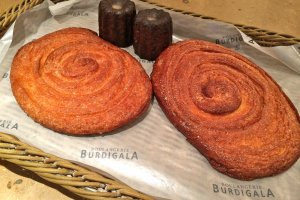 French breads and pastries at Boulangerie Burdigala Hiro-o