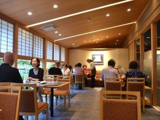 Interior di Unagiya Hirokawa