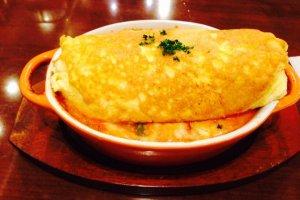 Tamago to Watashi ร้านข้าวห่อไข่ระดับตำนานด้วยรสชาติผสานสไตล์ตะวันออกและตะวันตกเข้าด้วยกันได้อย่างลงตัว
