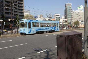 <p>Okayama Street Car, Okayama City, Okayama Prefecture</p>