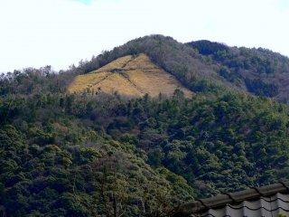 """The big """"Dai"""" mark on Damonji Mountain"""