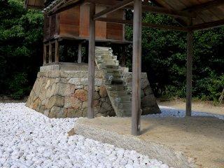 杉本博司が設計した護王神社