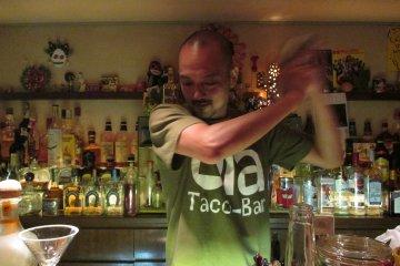 <p>Owner Sen makes a margarita&nbsp;</p>