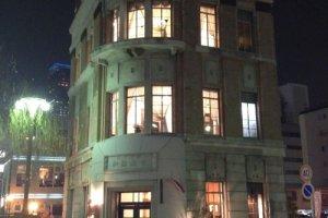 かつて「旧加藤商会ビル」だったサイアムガーデン・レストラン