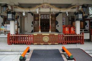 ศาลเจ้า Tsuyuten-jinja หรือ Ohatsu-Tenjin