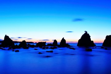Fantastic Hashigui Rocks: Wakayama