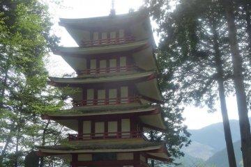 Храм возле Окутам