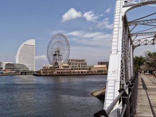 เส้นทางเดิน คิชะมิชิ นี้เป็นที่ๆ คุณสามารถชมวิว มินะโตะ มิไร 21 หรือ MM ได้ดีจุดหนึ่ง