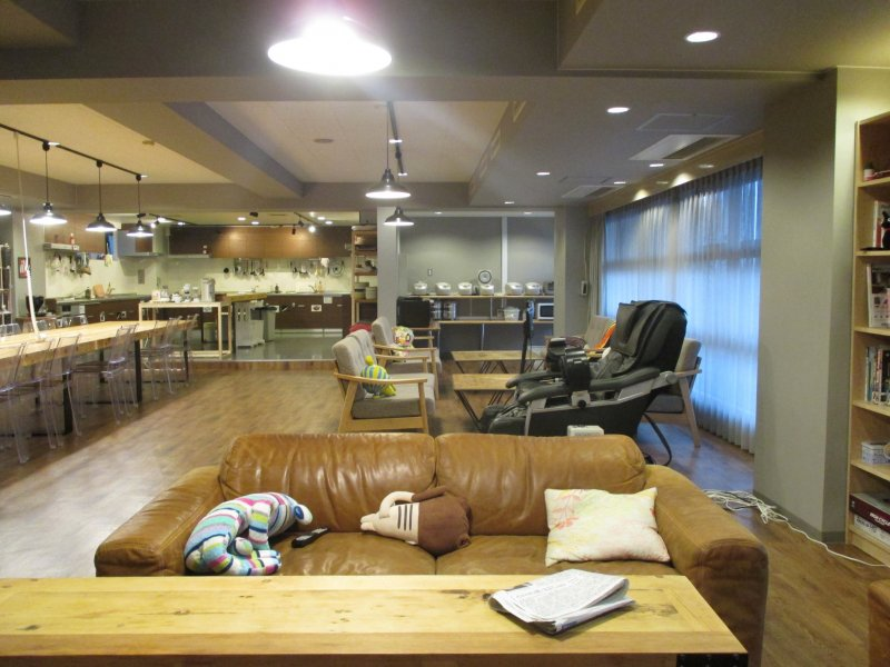 <p>The lounge and kitchen area can be a great place to interact with other residents</p>