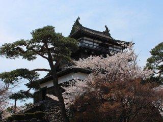 日本最古の天守閣を持つ