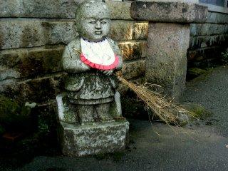 Little sweeper statue