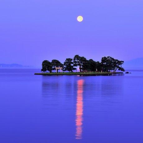 Sublime Lake Shinji in Shimane