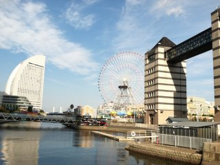 There are eye catching designs in every direction in Minato Mirai 21